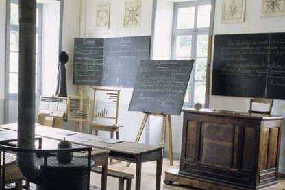 Salle de classe en Limousin, fin du XIXe siècle