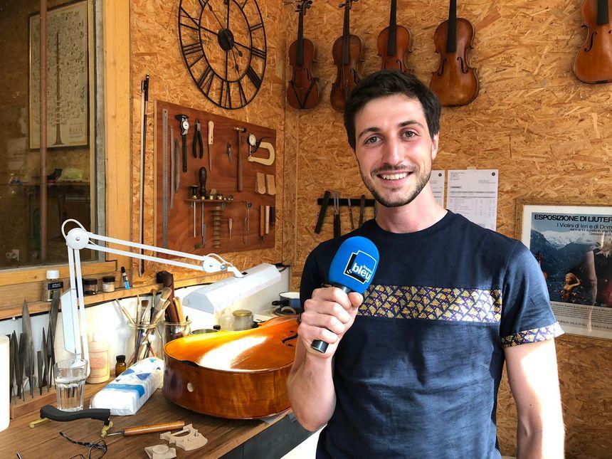 Alberto Comé, luthier à la tannerie de Lagny-sur-Marne