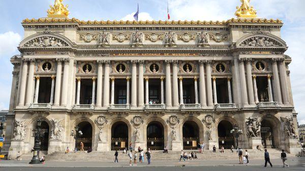 On inaugure le Palais Garnier (7/16)