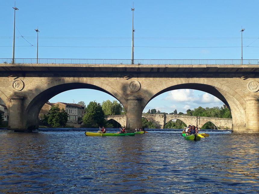 Une balade de pont en pont. Ici, le pont neuf construit au XIX ème siècle.