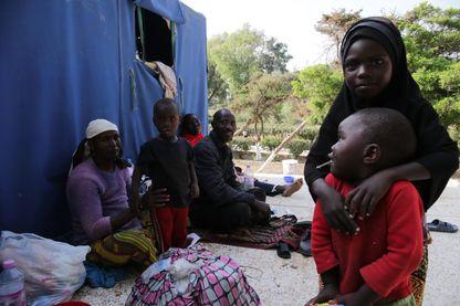 Les enfants de migrants en Algérie se cherchent un avenir.