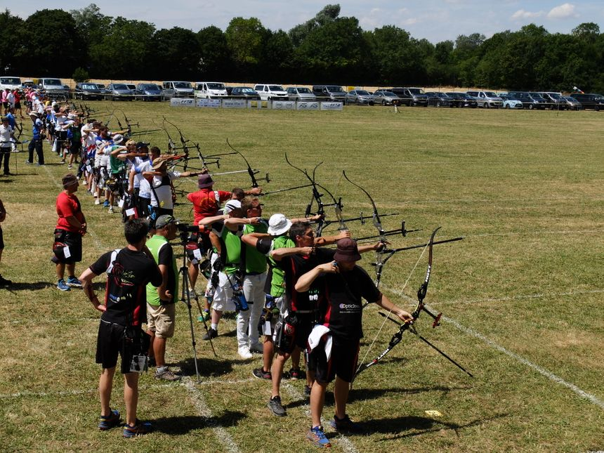 Les championnats se jouent entre équipes régionales, composées chacune de quatre archers.
