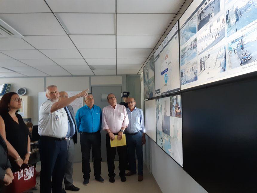 Thierry Razigade, le directeur de la police municipale présente le nouveau poste de commandement