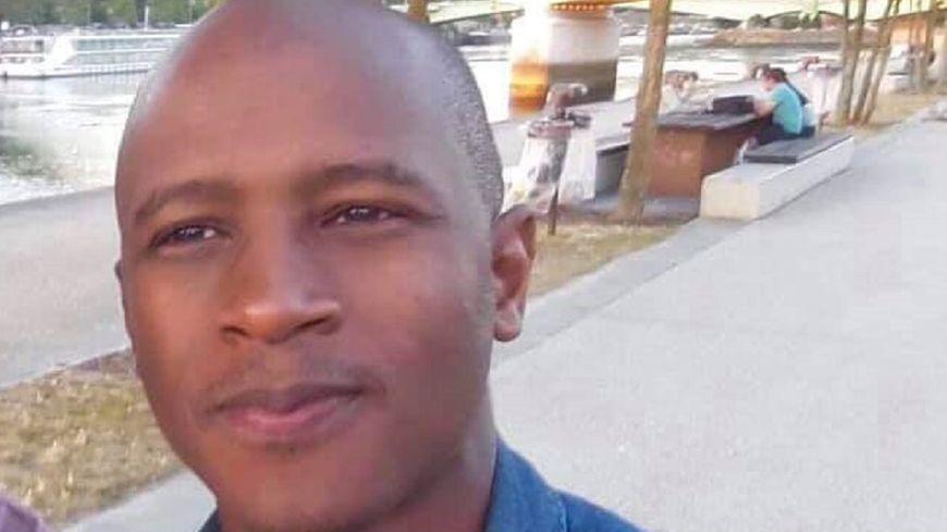 La marche blanche partira de l'université où Mamoudou Barry était enseignant-chercheur
