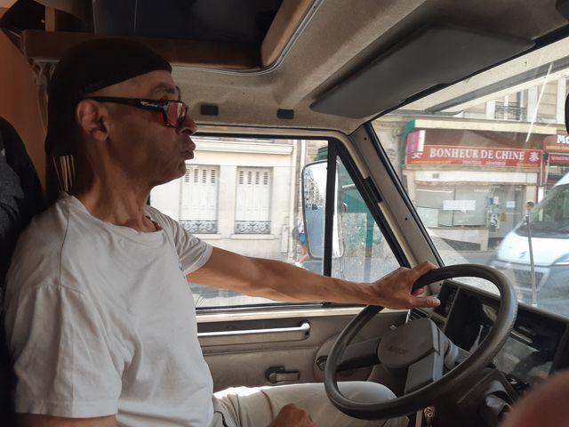 Jean-Pierre O'biang va à la rencontre des sans domicile fixe du mardi au vendredi