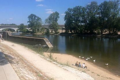 La Loire au plus bas dans le Loiret, le 16 juillet 2019