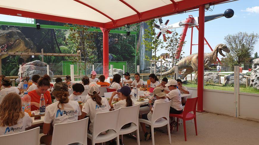 Pendant la journée de mardi, ces enfants âgés entre 8 et 12 ans ont profité du Parc Spirou de Monteux.