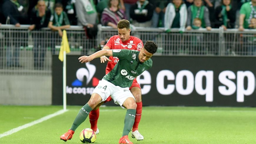 William Saliba lors d'un match face à Montpellier avec l'ASSE