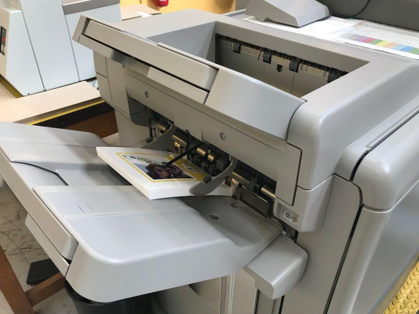 Vos photos deviennent des cartes postales  à l'imprimerie du timbre de Boulazac