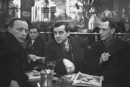 Portrait de l'auteur et historien allemand Alfred Kantrowicz (tout à gauche)