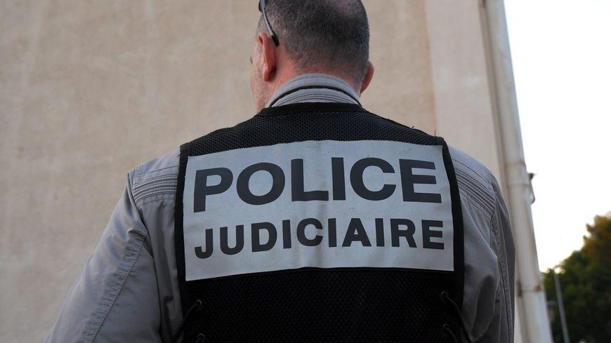 Le corps sans vie d'un homme de 66 ans a été retrouvé, ce mercredi soir, dans son appartement du Pouliguen. La police judiciaire de Nantes est chargée de l'enquête. Image d'illustration.