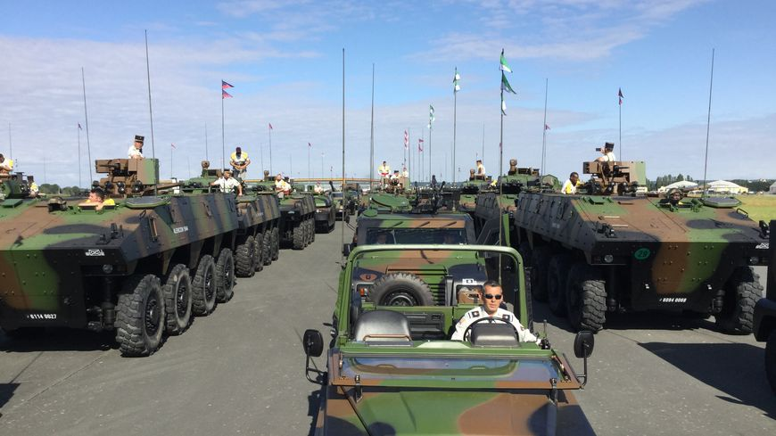 Le défilé motorisé du 14 juillet 2019 est pris en charge par le commandement de la logistique basé à Lille. Il répétait ce vendredi 12 juillet sur la base aérienne de Brétigny-sur-Orge (Essonne).