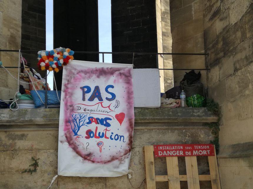"""L'occupation """"citoyenne"""" de la flèche Saint-Michel a débuté mi-juillet."""