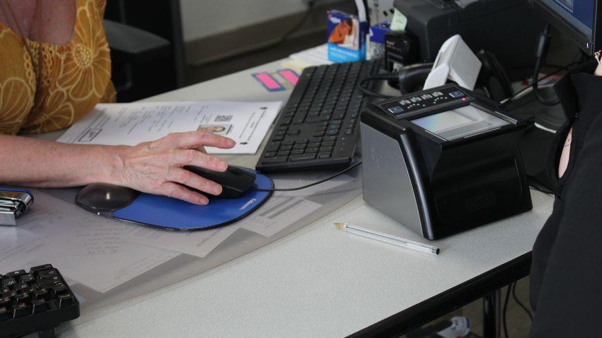 À Châteauroux, il faut souvent attendre plusieurs semaines pour faire sa demande de carte d'identité. Malgré cela, les délais restent plus courts que dans d'autres régions