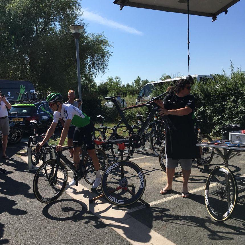 La journée de repos est précieuse aussi pour les vélos.
