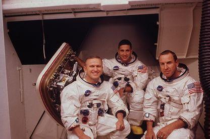 Les astronautes, Frank Borman, James A. Jr. Lovell et William A. Anders en 1968.