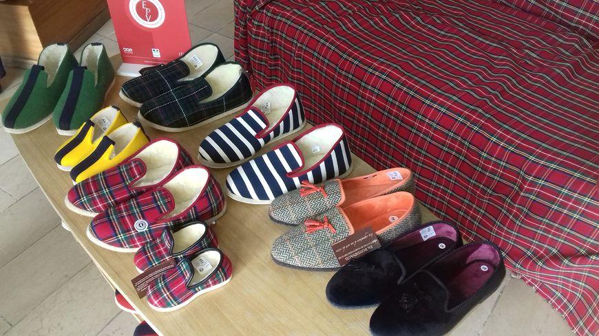 Une partie de la gamme des chaussons fabriqués par La Manufacture charentaise à Rivières