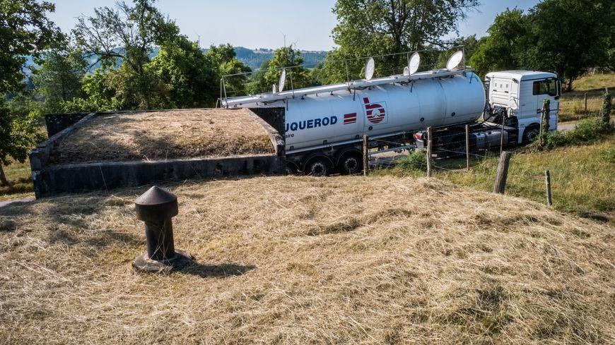 Sécheresse : livraison d'eau en citerne à Vernois sur Mance en Haute-Saône