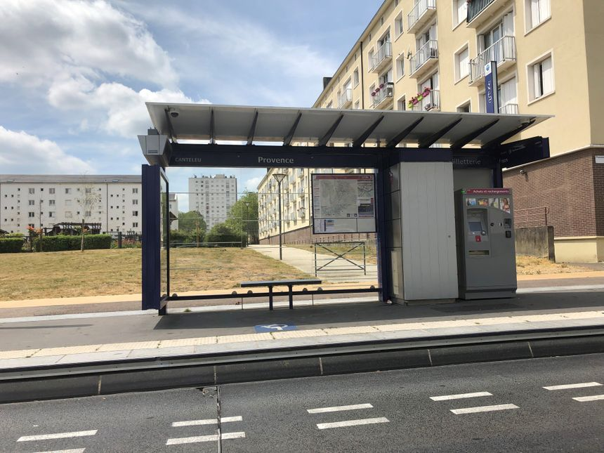 C'est à cet arrêt de bus que Mamoudou Barry a été mortellement agressé le vendredi 19 juillet 2019.