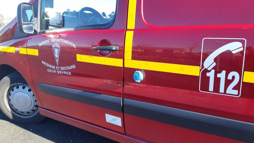 Véhicule de pompiers des Deux-Sèvres.