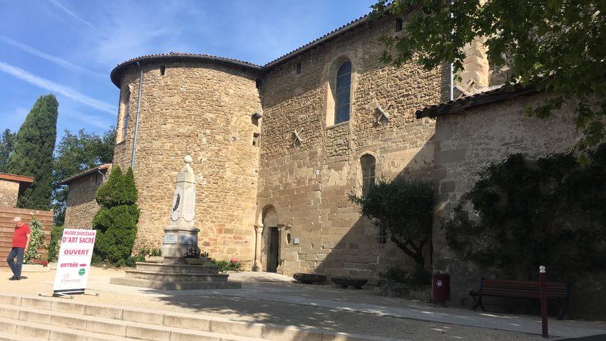 Le musée d'art sacré est installé dans l'église Sainte-Marie de Mours-Saint-Eusèbe.