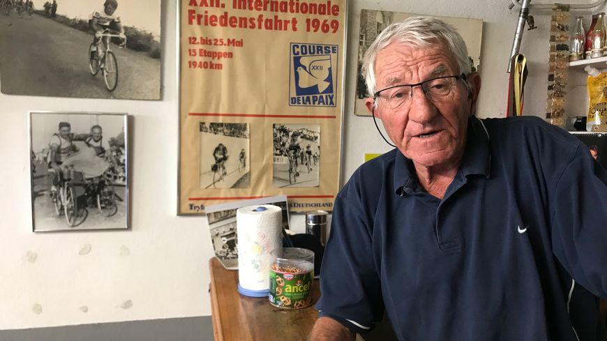 Jean-Pierre Danguillaume a aujourd'hui 73 ans et il habite toujours à Joué-lès-Tours
