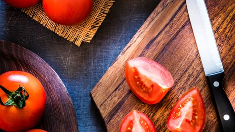 On cuisine les tomates
