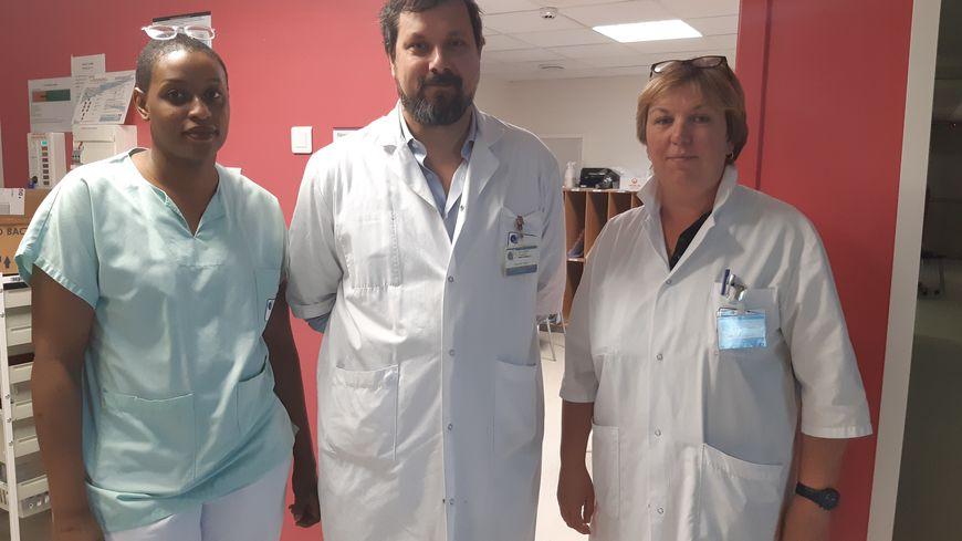 Norine, aide-soignante, le docteur Vincent Das et Cécile Cotelle, cadre au service réanimation