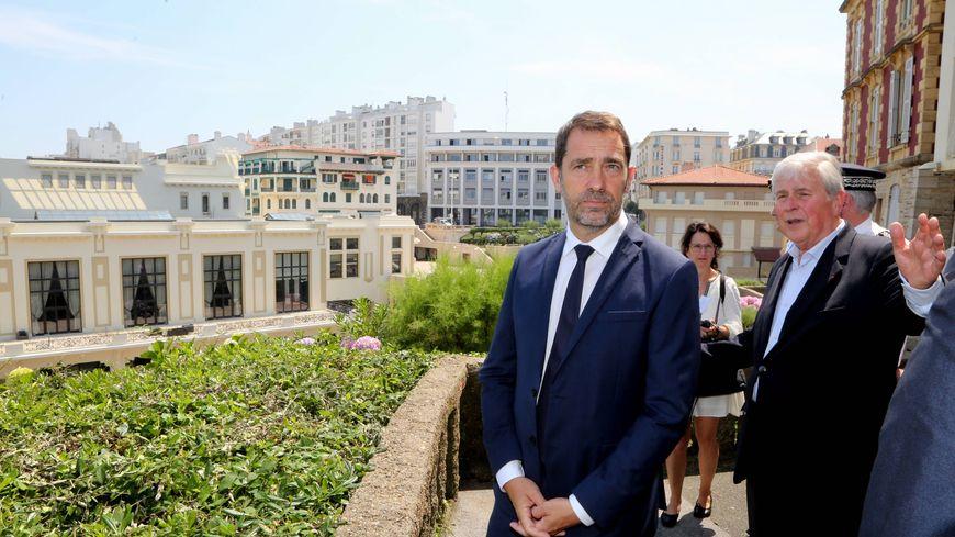 Le ministre de l'intérieur Castaner en visite à Biarritz avant le G7