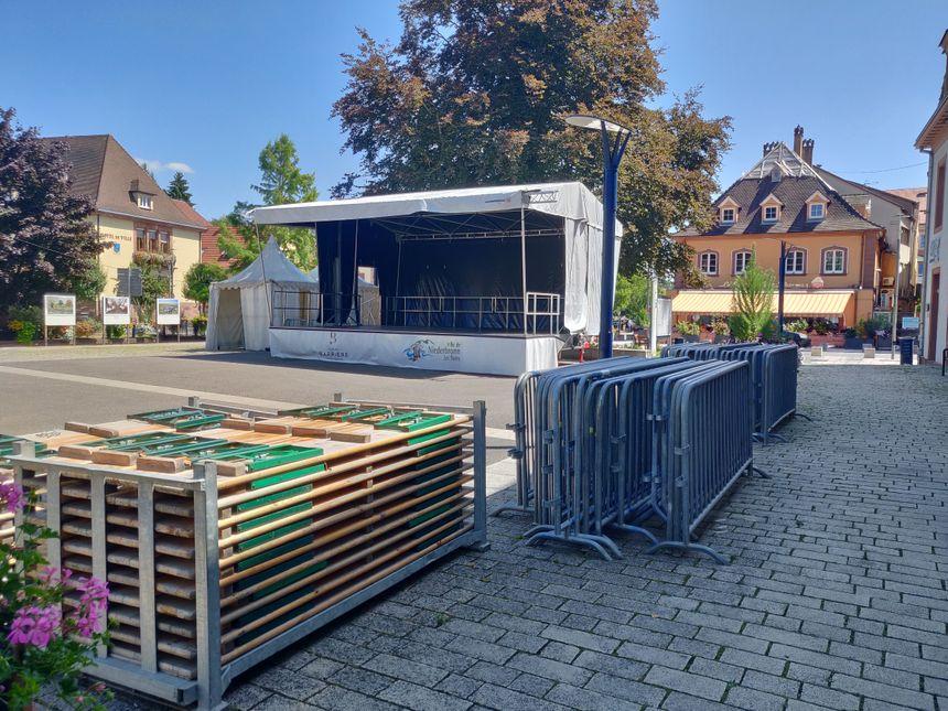 La scène principale de Mômes en scène, dans le centre-ville de Niederbronn-les-Bains