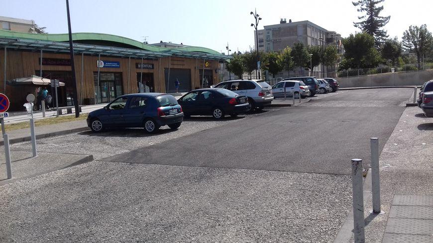 """Le quartier du Champ-de-Manoeuvres à Soyaux, décor du film """"La Source"""""""