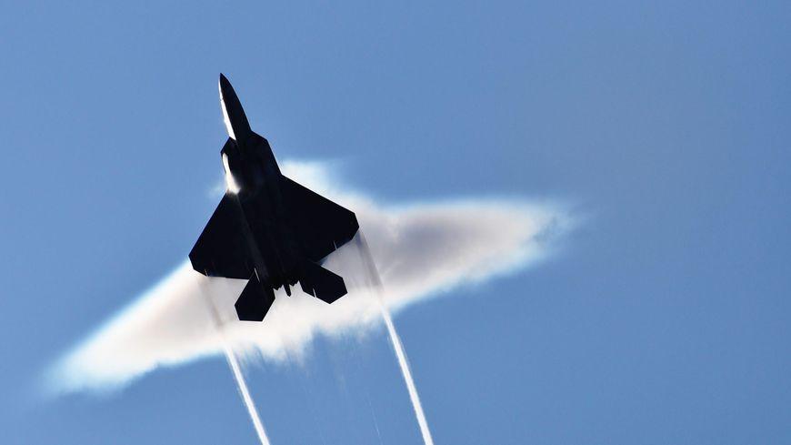 C'est bien un avion de chasse qui a passé le mur du son au dessus du Chablais (illustration)