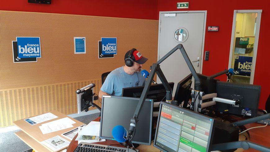 Cédric Ruiz, animateur à France Bleu Mayenne