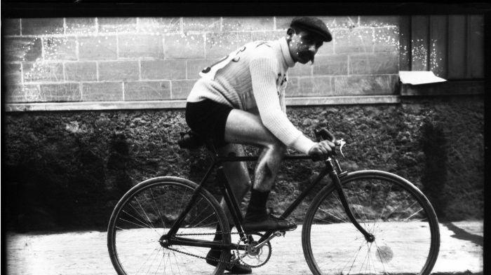 """Eugène Christophe, dit """"Le vieux Gaulois"""", le premier homme à avoir porté le maillot jaune"""