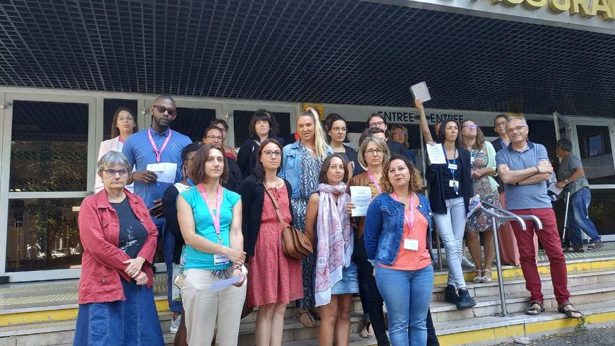 Deuxième rassemblement d'une partie des agents de la CPAM d'Indre-et-Loire ce lundi 15 juillet