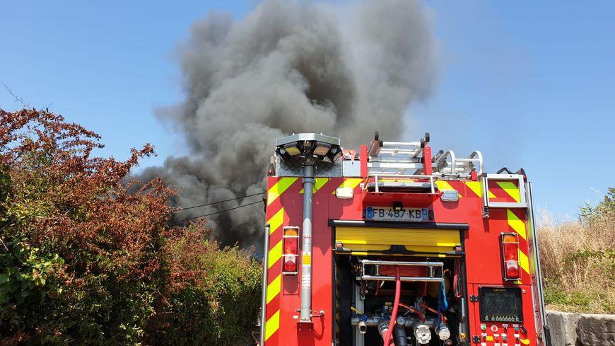 35 sapeurs-pompiers sont intervenus sur l'incendie de Saint-Laurent-du-Var.