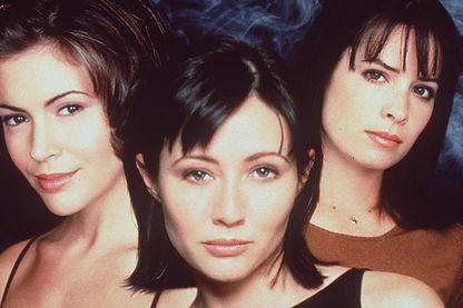 """""""Les sœurs Halliwell"""" Alyssa Milano, Shannen Doherty et Holly Mary Combs ont lutté contre les forces du mal dans la trilogie du samedi soir à la fin des années 90"""