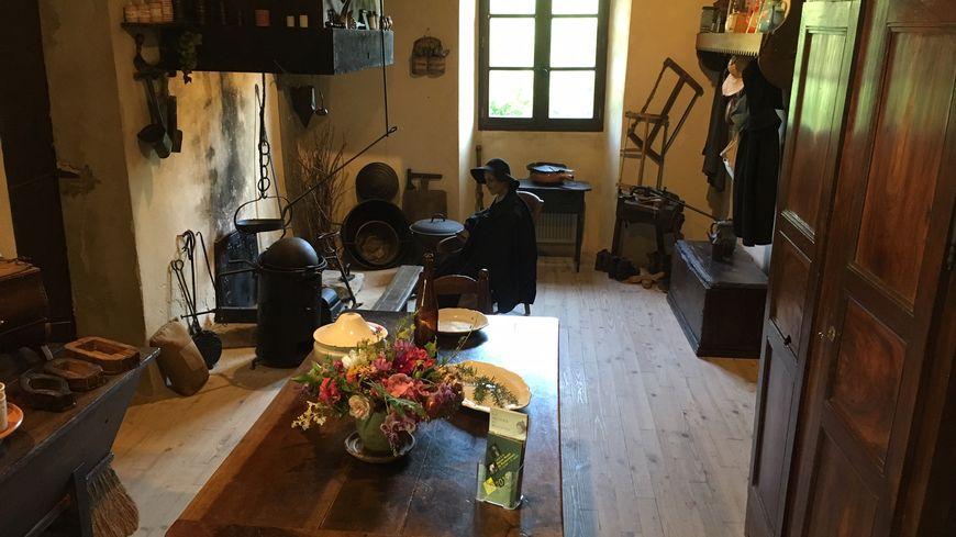 Reconstitution d'une pièce à vivre pour les paysans du Royans il y a plus d'un siècle.