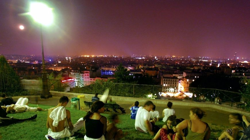 Canicule nocturne à Paris en 2003 (image d'illustration)