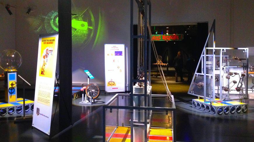 Vue sur l'exposition Roulez Mécanique !