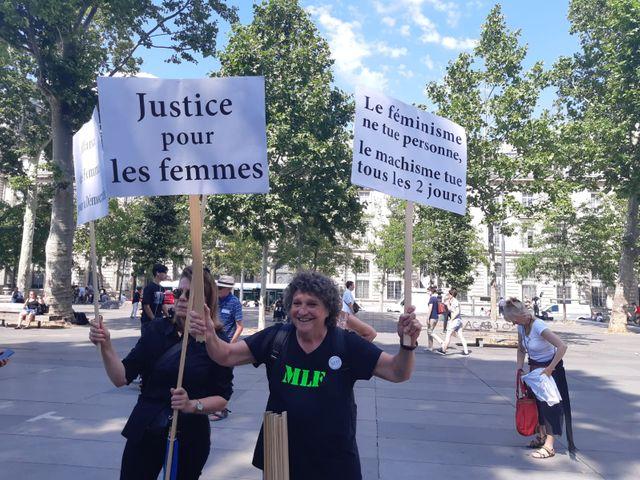 Une militante de l'Alliance des femmes, issue du MLF (Mouvement de Libération pour les Femmes)