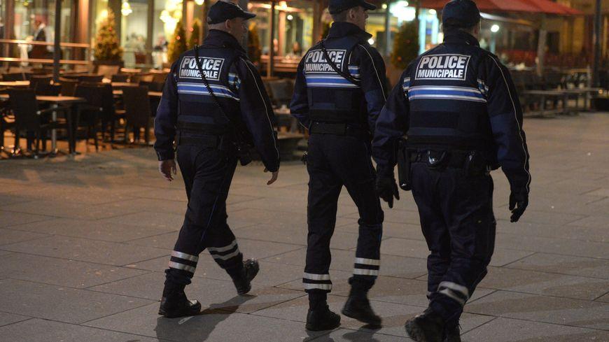 Une patrouille de police municipale le soir (photo d'illustration)