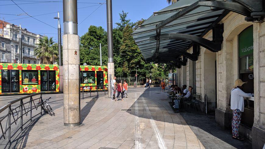 Le jeune homme blessé est allé chercher de l'aide au Mac Donald de la gare de Montpellier