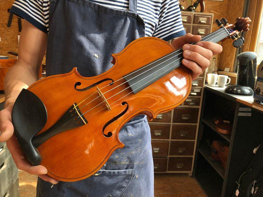 Dans l'atelier du luthier