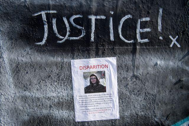 Avis de recherche placardé sur les quais de Nantes par la famille de Steve Cariço, disparu depuis le 21 juin