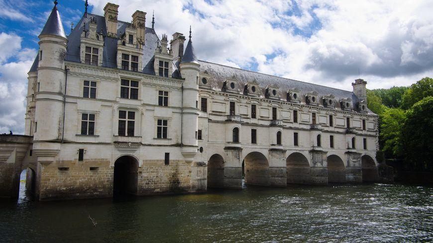 Le château de Chenonceau est le site touristique le plus fréquenté d'Indre-et-Loire avec 800 000 visiteurs annuels