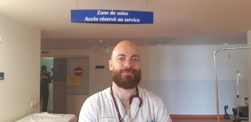 Le docteur Matthieu Marchetti, responsable médical des urgences au CHU de Poitiers