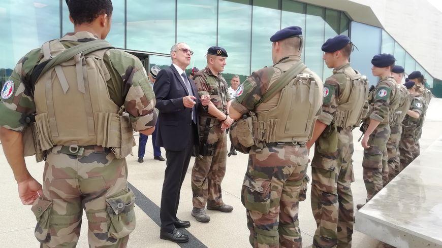 Le préfet salue le travail des militaires de l'opération Sentinelle à Lascaux