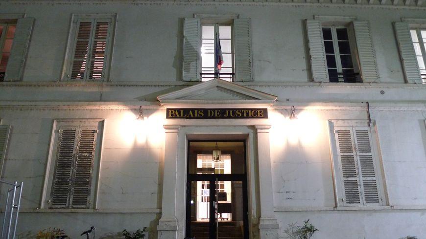 Palais de justice de Sens