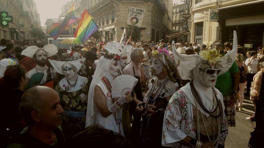 rencontre jeune gay flag a Saint Malo